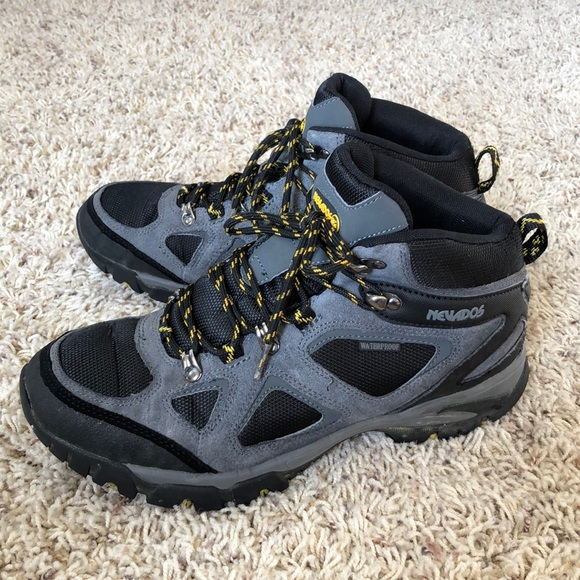 Nevados Spire waterproof mid hiking boots